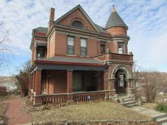 Send to P . Beautifully detailed historic home. Gorgeous woodwork, stained glass, butlers pantry, pocket doors and many other wonderful details. Detached garage on corner lot. Abandoned Mansion For Sale, Abandoned Houses, Old Houses, Edwardian House, Victorian Homes, Edwardian Era, St Joseph Mo, Modern Log Cabins, Historic Homes For Sale