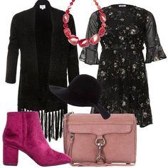 Il vestito nero a fiori rosa ha il taglio sotto al seno e la gonna al ginocchio, con le maniche 3/4 che finiscono con una balza. L'abbiniamo al cardigan nero con la parte finale a frange. Ai piedi stivaletti in velluto fucsia con tacco alto e comodo e punta. Come borsa una tracolla rosa con dettaglio di moschettone argento sul davanti. Per finire collana di pietre nei toni del rosso e rosa e cappello in panno nero con ampio bavero.