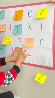 Alphabet Games For Kindergarten, Letter Recognition Kindergarten, Letter Recognition Games, Letter Games, Kindergarten Readiness, Preschool Writing, Kindergarten Learning, Preschool At Home, Teaching