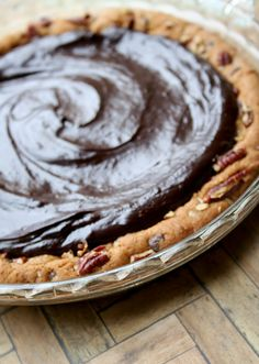 Four ingredient chocolate ganache chocolate chip cookie crust pie