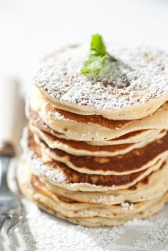 How to Make Tall, Fluffy Buttermilk Pancakes