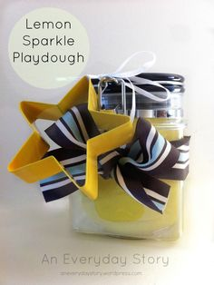 Homemade gifts for Christmas - Lemon Sparkle Playdough from An Everyday Story