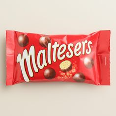Malted milk balls get a new twist with our crisp and delicious Nestle Mars Maltesers. Maltesers Chocolate, Chocolate Work, Chocolate Crunch, Chocolate Treats, Blackberry Syrup, Malted Milk, Clean Eating Snacks, Candy, Gourmet