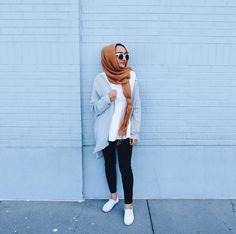 Style hijab inspiration- photo by @thatgirlyusra on Instagram