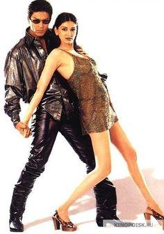 Shah Rukh Khan and Sonali Bendre - Duplicate Indian Bollywood Actress, Beautiful Bollywood Actress, Bollywood Fashion, Raveena Tandon Hot, Juhi Chawla, Ethereal Beauty, King Of Hearts, Kardashian Style, Hindi Movies