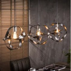The Twisty ceiling light is now available at Furnwise! This hanging lamp is made of metal and has an old silver finish. A unique and beautiful light. Industrial Style Lamps, Vintage Industrial Lighting, Lampe Metal, Led Lampe, Drop Lights, Hanging Lights, Luminaire Suspension Design, Ceiling Lamp, Ceiling Lights