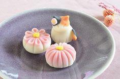 10月からの講座のお知らせ|かわいいと猫がいっぱい♪ Lauraのスイーツ&ハンドメイド Japanese Food Art, Japanese Dishes, Japanese Sweets, Japan Dessert, Kawaii Dessert, Cute Food, Yummy Food, Japanese Wagashi, Rainbow Food