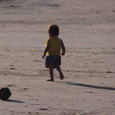 Este pequeñín tiene claro que lo que más le gusta de la paya es pasear. Instituto Europeo de Fertilidad. Clínica especialista en Medicina Reproductiva, FIV, ICSI http://www.iefertilidad.com/tratamientos
