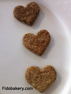 These easy-to-make, gluten-free ginger dog biscuits are good for dogs with motion sickness.