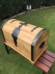 Wood Projects, Projects To Try, Easy Woodworking Ideas, Box Design, Hope Chest, Storage Chest, Trunks, Garage, Furniture
