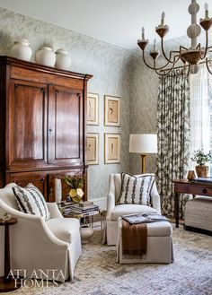 Pinnacle of Style - AH&L Cozy Cocoon Jessica Bradley Interiors Classic Living Room, My Living Room, Living Room Decor, Living Spaces, English Decor, Cottage Style Homes, Atlanta Homes, Interior Design Magazine, House And Home Magazine