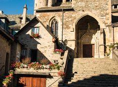 Les villages féeriques du Nord Aveyron - Itinera-magica.com