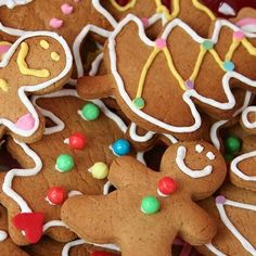 This is a sweet and spicy gingerbread cookie recipe. Gingerbread cookies are perfect Christmas cookies and a great homemade Christmas gift. Best Gingerbread Cookies, Christmas Gingerbread Men, Christmas Cookies, Gingerbread Village, Ginger Bread Cookies Recipe, Cookie Recipes, Homemade Christmas Gifts, Food Facts, How To Make Cookies