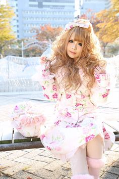 "•○~ Hime Gyaru, 姫ギャル, ""princess girl"" ♥  hair - makeup - jacket - floral print - purse - hair bow - Jesus Diamante - cute - kawaii - Japanese street fashion✮ ~•○"