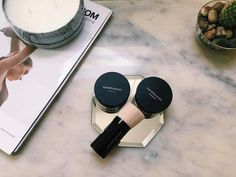 Different Types of Makeup Foundation Mineral Powder Makeup Foundation Simple Eyeshadow, How To Apply Eyeshadow, Diy Makeup Storage, Makeup Organization, Simple Makeup, Natural Makeup, Loose Powder Foundation, Compact Foundation, Foundation Makeup