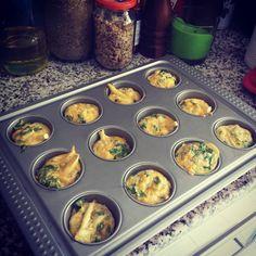 Baked muffin eggs with zucchini and cheese ♡ yum! #breakfast #egg #eggs #butter #cheese #zucchini #muffins #eggmuffins #KW #Q8 #Kuwait #DanasKitchen خبزت فطور خفيف عبارة عن بيض مع لب الكوسة وجبنة مبشورة وبقدونس  #فطور #فطاير #فطائر_البيض #كوسة #لب_الكوسة #جبنة #الكويت