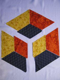 PATCHWORK ARTE EM TECIDOS: CUBO TRIDIMENSIONAL Quilt Square Patterns, Patchwork Patterns, Hexagon Quilt, Quilt Block Patterns, Pattern Blocks, Mini Quilts, 3d Quilts, Cute Quilts, Tumbling Blocks Quilt