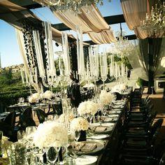 Love black & white weddings