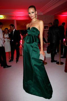 Natasha Poly, égérie L'Oréal Paris, en robe Marni et pochette Zagliani - amfAR Cannes 2014