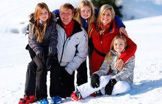 La Reina Máxima de Holanda y su familia, posaron en el primer día de sus vacaciones anuales en Lech, Austria.