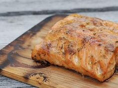 Chef Phil Anderson demonstrates how to make planked salmon on grill. 14509 , Category: Ingredients ,User name: foodie, Date: Sun, 29 Dec 2013 - Healthy Food Network Grilled Salmon Recipes, Grilled Seafood, Fish And Seafood, Fish Recipes, Seafood Recipes, Cooking Recipes, Seafood Meals, Grill Recipes, Cedar Plank Salmon