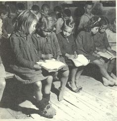 An elementary school in Kanalia a village in Thessaly, Greece, 1949 Vintage Pictures, Old Pictures, Old Time Photos, Michael Chabon, Greece Pictures, Greece Photography, Greek History, Vintage School, Teenager