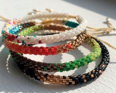 Loom Beading, Diy Art, Friendship Bracelets, Bangles, Beads, Jewelry, Amy, Brick, Watches