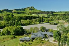 Hawkes Bay, New Zealand. Interiors by Cottonwood Interiors. Property for sale through Sotheby's International.