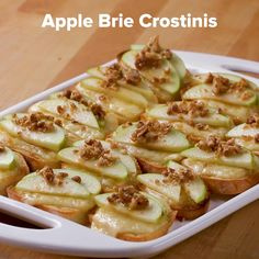 Apple Brie Crostinis Recipe by Tasty Here's what you need: baguette, brie cheese, granny smith apple, candied walnuts, honey Tapas, Granny Smith, Snacks Für Party, Appetizers For Party, Recipes For Appetizers, Easy Party Recipes, Free Recipes, Brie Appetizer, Candied Walnuts
