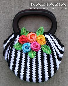 Can't wait to make this with different colors...   Crochet Swag Bag Purse - Naztazia