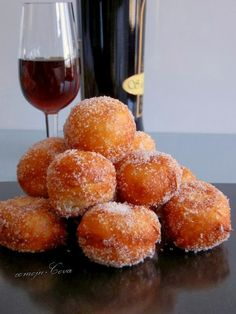 Buñuelos de Crema Pastelera thermomix Sweet Desserts, Sweet Recipes, Donuts, Sweet Crepes Recipe, Mexican Food Recipes, Dessert Recipes, A Food, Food And Drink, Colombian Food