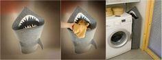 Helaas moet je wel gewoon de wasmand legen als-ie vol is. Het is namelijk niet zo dat je vieze onderbroekje daadwerkelijk verorberd wordt door de haai, ontworpen door Jolanta Uczarczyk, die haar product voor ruim 110 euro verkoopt op Etsy.