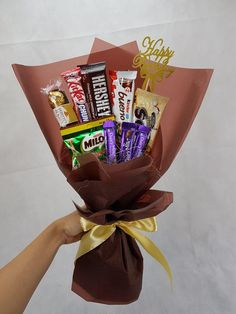 Nieldelia Florist is an cheapest (Murah) ( that providing and with in Alam Jaya and Candy Bouquet Diy, Food Bouquet, Money Bouquet, Gift Bouquet, Craft Gifts, Diy Gifts, Chocolate Flowers Bouquet, Edible Bouquets, Candy Gifts
