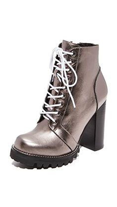 b456091750 15 adoráveis imagens de Editorial sapatos