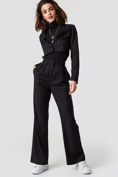 Emilie Briting X Na Kd Pinstriped High Waist Flared Pants Black/Red Look Fashion, High Fashion, Fashion Outfits, Womens Fashion, Fashion Tips, Red Fashion, Grunge Fashion, Fashion Bloggers, Modest Fashion