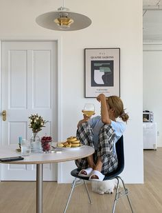 I Live Alone, Kitchen Photos, Mode Inspiration, Aesthetic Pictures, Decoration, Sweet Home, Lounge, Lifestyle, Room