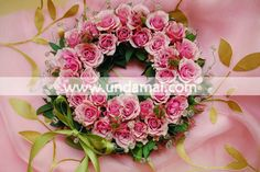 Coronita din miniroze... rrroz :) 8 Martie, Floral Wreath, Wreaths, Design, Home Decor, Corona, Floral Crown, Decoration Home, Door Wreaths