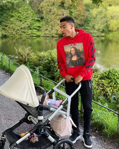 England ace Jesse Lingard opens up about his baby daughter and raising younger siblings as his mum battles illness Jesse Lingard Family, Salah Footballer, Football Players, Football Soccer, Soccer Sports, British Football, Manchester United Players, Marcus Rashford, Messi