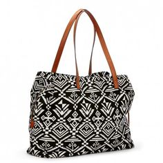 Great bag, awesome for traveling. Love the pattern and classic color combination.