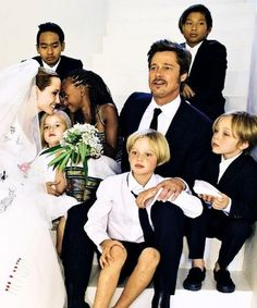 The hot Hollywood couple finally tied the knot. Angelina Jolie and Brad Pitt say 'I do in front of their six children. To our surprise Angelina kept her hair Brad And Angie, Brad Pitt And Angelina Jolie, Jolie Pitt, Le Jolie, Shiloh Jolie, Celebrity Kids, Celebrity Weddings, Angelina Jolie Wedding, Angelina Jolie Adoption