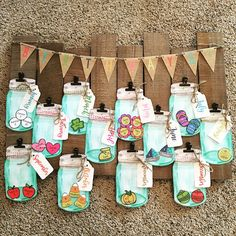 I LOVE the way our Brights and Burlap Birthday Jars turned out on this adorable board! Preschool Birthday Board, Birthday Chart Classroom, Birthday Bulletin Boards, Birthday Charts, Toddler Classroom, Preschool Classroom, Classroom Themes, Kindergarten, Birthday Display