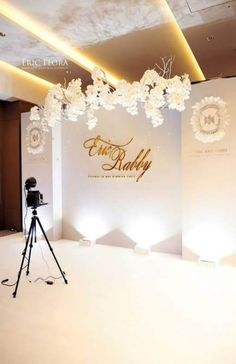 55 Ideas For Wedding Decorations Stage Photo Backdrops - - You are in the right place about Balloon Decorations garden Here we offer you the most beautiful Wedding Wall, Wedding Stage, Diy Wedding, Wedding Events, Wedding Reception, Dream Wedding, Glamorous Wedding, Decor Wedding, Trendy Wedding