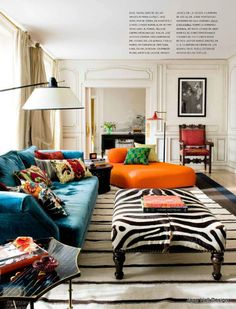 Vintage Style living room in a bold Color palette