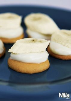 These Mini Banana Pudding Bites are a great little snack when you're craving banana pudding without the extra work!
