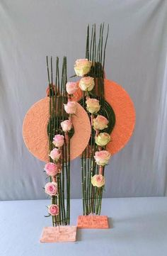 Pin by Barbara Armstrong on Floral design Contemporary Flower Arrangements, Creative Flower Arrangements, Ikebana Flower Arrangement, Ikebana Arrangements, Art Floral, Deco Floral, Floral Design, Diy Butterfly Decorations, Arreglos Ikebana