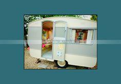 Retro Caravan, Camper Caravan, Caravan Ideas, Vintage Caravans, Vintage Travel Trailers, Vintage Campers, Bailey Caravans, Caravan Conversion, Camping Glamping