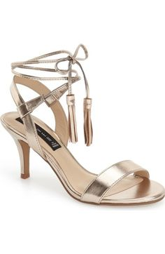 Alluringly feminine and on trend, this gorgeous metallic gold shoe is perfect for dressing up.