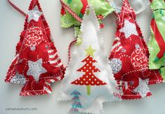You're going to love Xmas Tree Bunting by designer Samelias Mum. Christmas Bunting, Christmas Sewing, Christmas Projects, Handmade Christmas, Holiday Crafts, Christmas Ornaments, Christmas Ideas, Christmas Tree, Xmas Trees