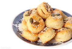 Gluténmentes túrós-sajtos minipogik - Dívány Ricotta, Doughnut, Muffin, Paleo, Cooking, Breakfast, Desserts, Food, Kitchen