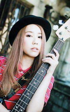 Ogawa Tomomi - Bass